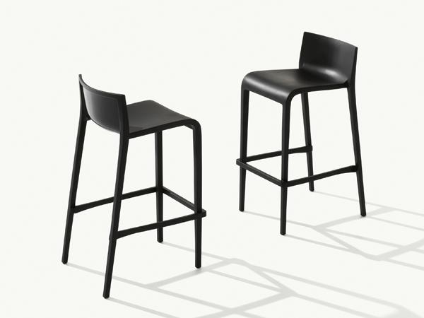 Nassau stool and armchair | Metalmobil | 2018
